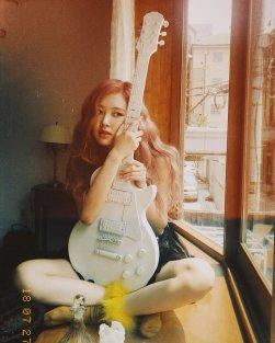 BLACKPINK Rose behind the scenes Dazed Korea Magazine 18
