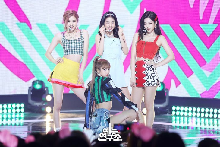 BLACKPINK-mbc-music-core-4-august-2018-good-bye-stage