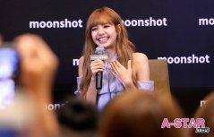 Day 1 BLACKPINK Lisa moonshot fansign event Bangkok Thailand 153