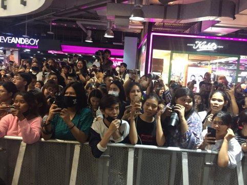 Day 1 BLACKPINK Lisa moonshot fansign event Bangkok Thailand 175