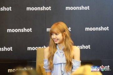 Day 1 BLACKPINK Lisa moonshot fansign event Bangkok Thailand 33