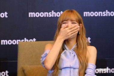 Day 1 BLACKPINK Lisa moonshot fansign event Bangkok Thailand 65