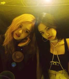 cover-BLACKPINK-Rose-Instagram-Photo-with-Jennie-Chaennie