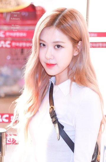 1-BLACKPINK Rose Airport Photo 17 September 2018 Gimpo to Japan