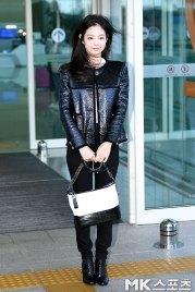 100-BLACKPINK-Jennie-Airport-Photos-Incheon-to-France-Paris-Fashion-Week