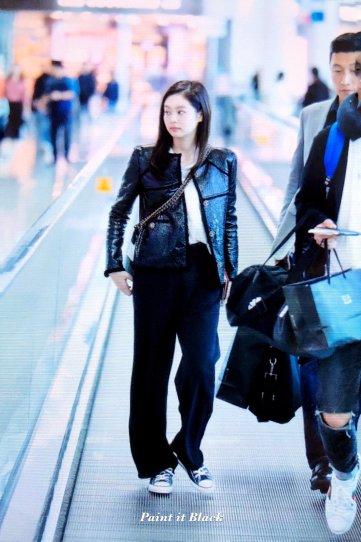 100-BLACKPINK Jennie Airport Photos Incheon to Paris Fashion Week