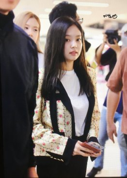 13-BLACKPINK Jennie Airport Photo 17 September 2018 Gimpo to Japan
