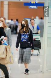 13-BLACKPINK-Jisoo-Airport-Photo-Incheon-Seoul-From-New-York