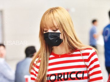 13-BLACKPINK Lisa Airport Photo Incheon Seoul From New York