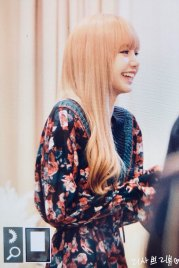 13-BLACKPINK-Lisa-Moonshot-Yoo-In-Na-Product-Launch-Event-Myeongdong