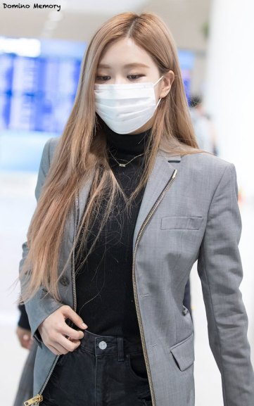 13-BLACKPINK-Rose-Airport-Photo-Incheon-Seoul-From-New-York