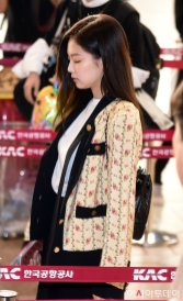 15-BLACKPINK Jennie Airport Photo 17 September 2018 Gimpo to Japan