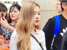 15-BLACKPINK Rose Airport Photo 17 September 2018 Gimpo to Japan