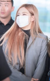 15-BLACKPINK-Rose-Airport-Photo-Incheon-Seoul-From-New-York