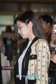 16-BLACKPINK Jennie Airport Photo 17 September 2018 Gimpo to Japan