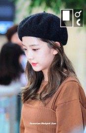 16-BLACKPINK-Jisoo-Airport-Photo-Gimpo-19-September-2018-hat