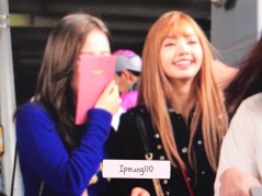 16-BLACKPINK-Lisa-JFK-Airport-Photo-New-York-City