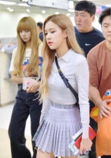 16-BLACKPINK Rose Airport Photo 17 September 2018 Gimpo to Japan