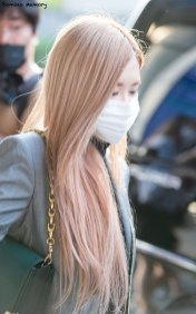 16-BLACKPINK-Rose-Airport-Photo-Incheon-Seoul-From-New-York