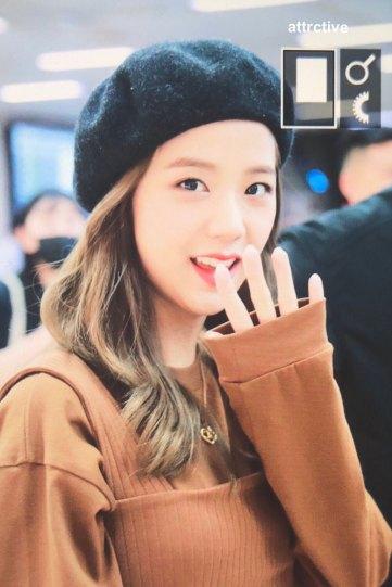 17-BLACKPINK-Jisoo-Airport-Photo-Gimpo-19-September-2018-hat