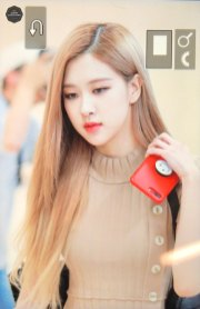 17-BLACKPINK-Rose-Airport-Photo-Gimpo-19-September-2018