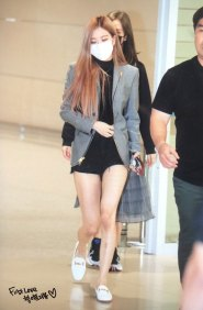 17-BLACKPINK-Rose-Airport-Photo-Incheon-Seoul-From-New-York
