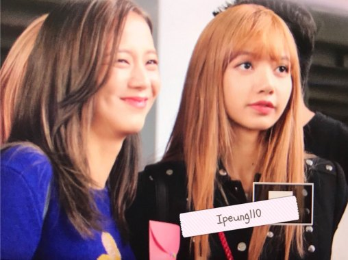 18-BLACKPINK-Lisa-JFK-Airport-Photo-New-York-City