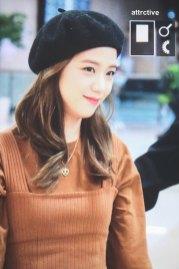 19-BLACKPINK-Jisoo-Airport-Photo-Gimpo-19-September-2018-hat