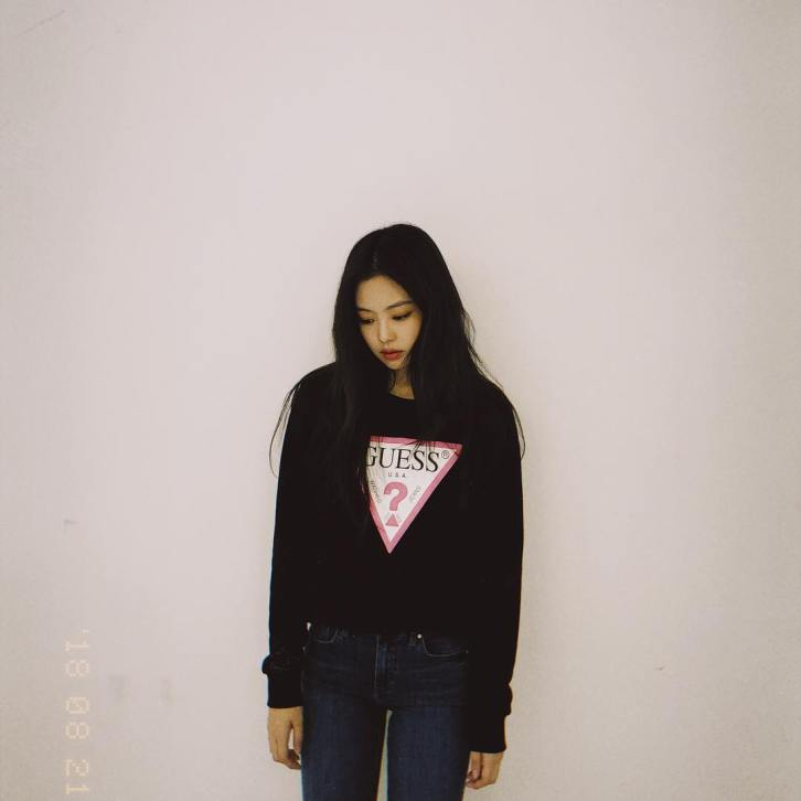 2-BLACKPINK Jennie Instagram Photo 19 September 2018 GUESS