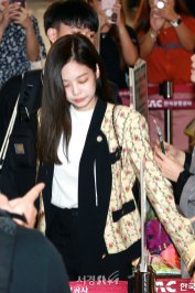 20-BLACKPINK Jennie Airport Photo 17 September 2018 Gimpo to Japan