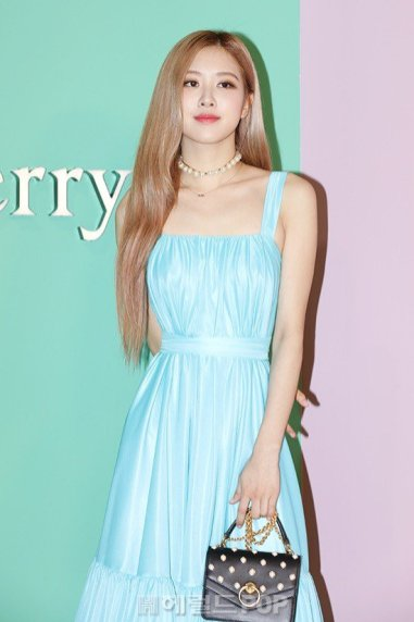 20-BLACKPINK-Rose-Mulberry-Event-Seoul-6-September-2018