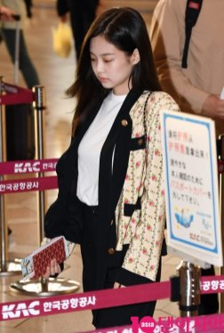21-BLACKPINK Jennie Airport Photo 17 September 2018 Gimpo to Japan