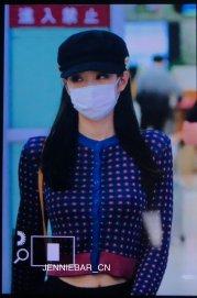 21-BLACKPINK-Jennie-Airport-Photo-Gimpo-19-September-2018-hat