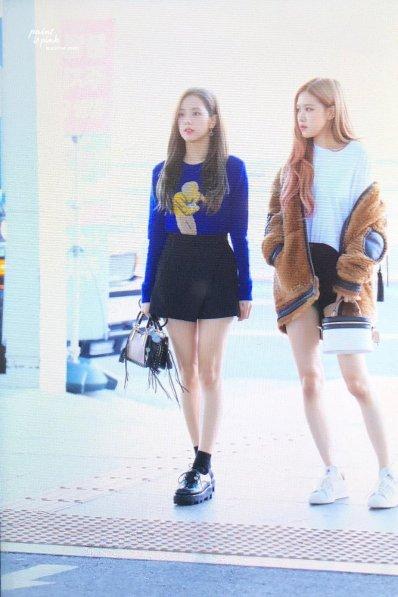 21-BLACKPINK Jisoo Airport Photo Incheon New York Fashion Week