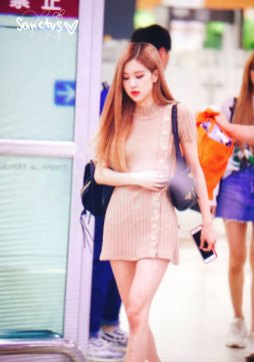 21-BLACKPINK-Rose-Airport-Photo-Gimpo-19-September-2018