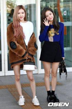 22-BLACKPINK Rose Airport Photo Incheon New York Fashion Week