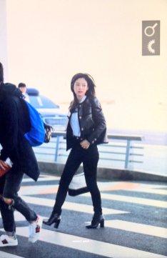 23-BLACKPINK Jennie Airport Photos Incheon to Paris Fashion Week