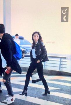 24-BLACKPINK Jennie Airport Photos Incheon to Paris Fashion Week