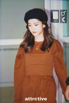 24-BLACKPINK-Jisoo-Airport-Photo-Gimpo-19-September-2018-hat