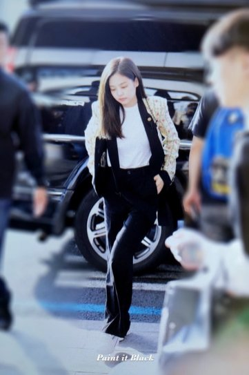 25-BLACKPINK Jennie Airport Photo 17 September 2018 Gimpo to Japan