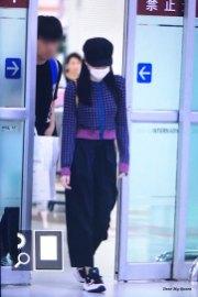 25-BLACKPINK-Jennie-Airport-Photo-Gimpo-19-September-2018-hat