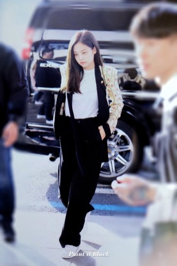 26-BLACKPINK Jennie Airport Photo 17 September 2018 Gimpo to Japan