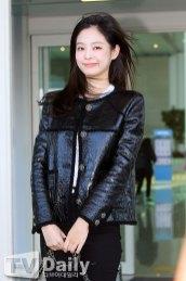 26-BLACKPINK-Jennie-Airport-Photos-Incheon-to-France-Paris-Fashion-Week