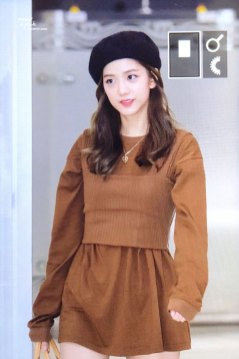 26-BLACKPINK-Jisoo-Airport-Photo-Gimpo-19-September-2018-hat