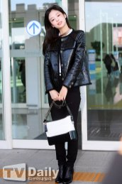 27-BLACKPINK-Jennie-Airport-Photos-Incheon-to-France-Paris-Fashion-Week