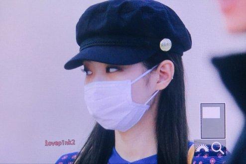29-BLACKPINK-Jennie-Airport-Photo-Gimpo-19-September-2018-hat