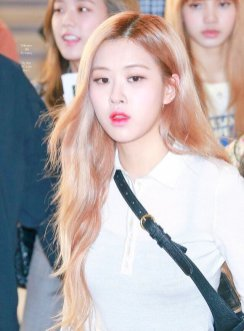 3-BLACKPINK Rose Airport Photo 17 September 2018 Gimpo to Japan
