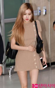 3-BLACKPINK-Rose-Airport-Photo-Gimpo-19-September-2018