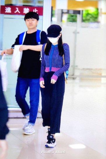 32-BLACKPINK-Jennie-Airport-Photo-Gimpo-19-September-2018-hat