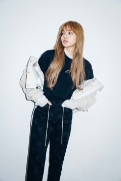 32-BLACKPINK Lisa X-girl Japan Nonagon Collaboration
